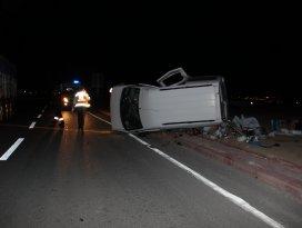 Konyada otomobille kamyonet çarpıştı: 7 yaralı