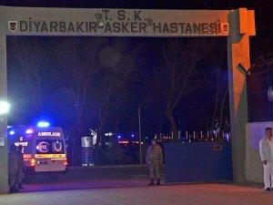 Diyarbakırda karakola bombalı saldırı: 3 şehit