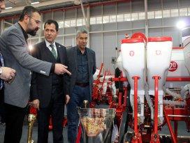 AK Partili Altunyaldız Konya Tarım Fuarını gezdi