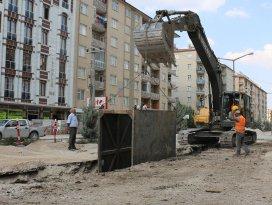 3 ilçede 8 mahalleye kanalizasyon şebekesi