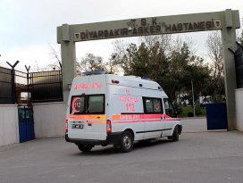 Diyarbakırda terör saldırısı: 7 şehit, 27 yaralı