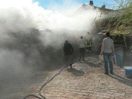 Yunak'ta yangında iki büyükbaş hayvan telef oldu