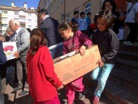 Öğrencilerden Türkmen kardeşlerine destek