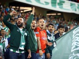 Konyada Fenerbahçeyi kızdıran şarkılar!