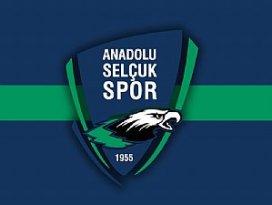 Konya Anadolu Selçukspor lideri yendi