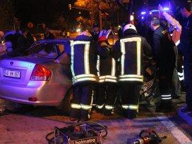 Tıp öğrencileri kaza yaptı: 2 ölü, 2 yaralı