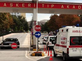 Yaralı polis memuru GATAda şehit oldu