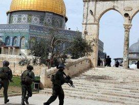 Mescid-i Aksada namaz kıldıkları gerekçesiyle 15 Filistinli gözaltında