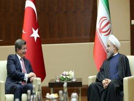 Davutoğlu ile İran Cumhurbaşkanı Ruhani görüştü
