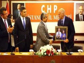 Papandreou CHP İl Başkanlığını ziyaret etti