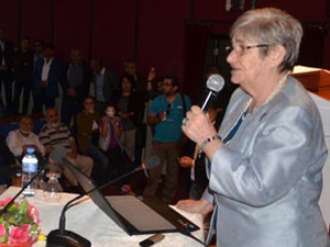 Canan Karatay Konyada konferans verdi