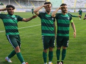 Anadolu Selçukspor ligde kalmayı garantiledi: 2-0