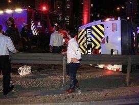 İstanbulda minibüs devrildi: 14 yaralı