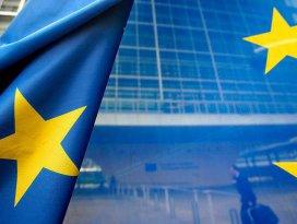 AB Komisyonundan vizesiz Avrupa için yeşil ışık
