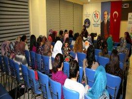 Selçuklu'daki seminer büyük ilgi görüyor