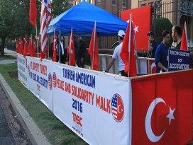 ABDdeki Türkler büyükelçilik önünde nöbete başladı