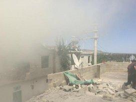 Kilise 3 roket mermisi düştü