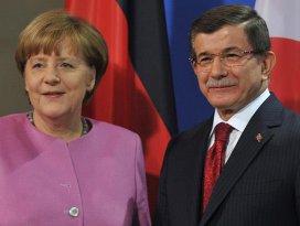 Davutoğlu ve Merkel sığınmacılarla buluşacak