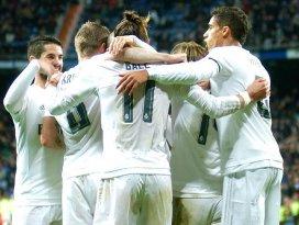 Real Madrid geri düştüğü maçı kazanmayı bildi