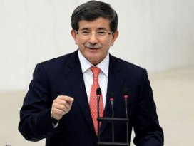 Davutoğlu Mecliste tarih dersi verdi