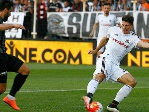 Beşiktaş Manisada 2 puan bıraktı