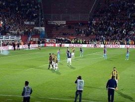 Trabzonspor-Fenerbahçe maçı tatil edildi