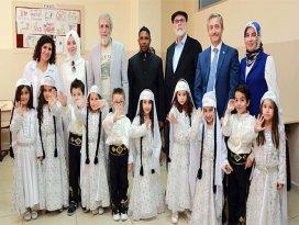 Yusuf İslam ve Sefure Davutoğlu Suriyelileri ziyaret etti