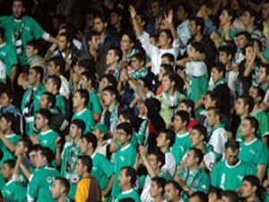 Konyaspor son vuruş için taraftar bekliyor