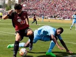 Eskişehirspor Trabzonsporu tek golle mağlup etti