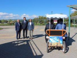 Beyşehir'in yürüyen tanıtım araçları ilgi çekiyor