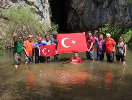 Çamlık mağaralarını tanıtmak için yürüdüler