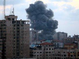 İsrail savaş uçakları Gazzeye saldırdı