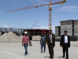 Cihanbeyli'de TOKİ inşaatı devam ediyor