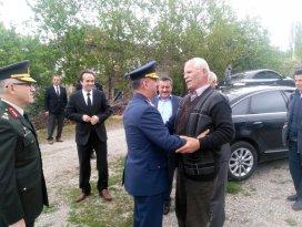 Yüzbaşı Yaşarın şehitlik beratı ailesine verildi