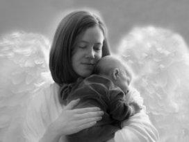 Anneye en güzel hediye kucak dolusu sevgi