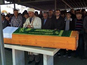 Halı sahada kalp krizi geçiren lise öğrencisi öldü