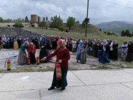 Sarayönü'nde tekstil işçilerine yangın eğitimi