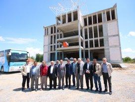 Başkan Özaltun, Beyşehir Kültür Merkezinde incelemelerde bulundu