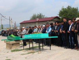 Konyadaki kazada yanarak ölen karı-koca toprağa verildi