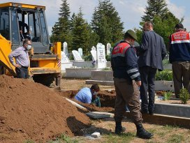 Konyada cinayet şüphesi mezar açtırdı