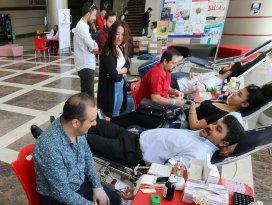 KTO Karatay Üniversitesi öğrenci ve personeli kan bağışında bulundu