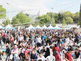 Ümmetin gençleri Türkiye'de buluşuyor