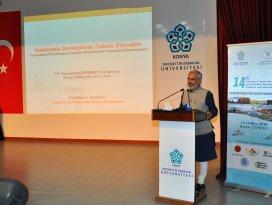 NEÜ'de Sürdürülebilir Öğretmen Eğitimi konferansı
