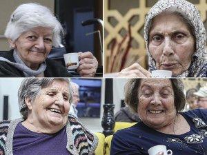 Huzurevinde Türk kahvesi keyfi