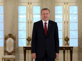 Erdoğan: 19 Mayısta tutuşturulan meşale yolumuzu aydınlatmaya devam ediyor
