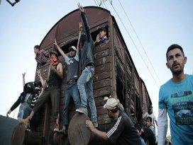 İdomenide polis ve sığınmacılar arasında arbede