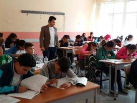 Kulu'da okullar arası kitap okuma yarışması