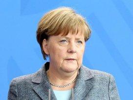 Merkel: Türkiye insani yardımları yerine getirdi