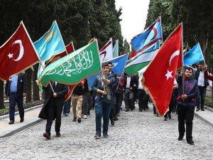 Alperen Ocaklarından polise ve askere destek yürüyüşü