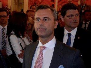 Avusturyadaki cumhurbaşkanlığı seçiminde Hofer önde